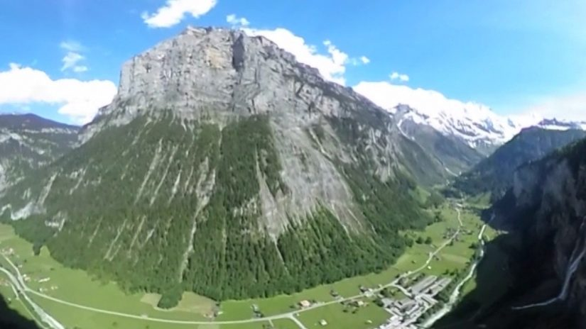 360 VIDEO Base jump in the Swiss Alp