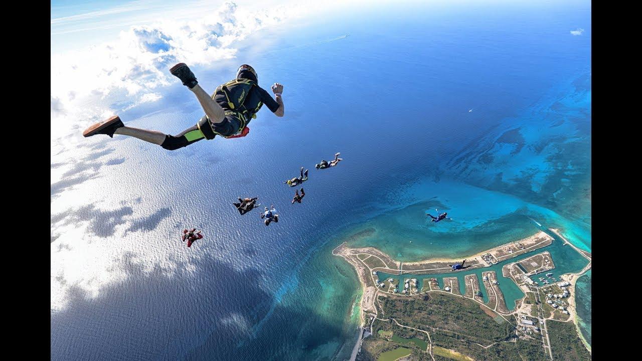 Skydiving sopra le Bahamas