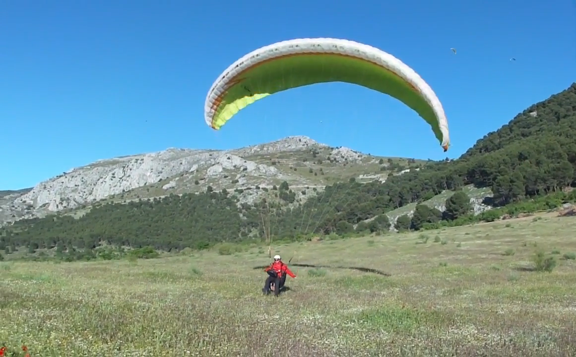 Stunning images from the Paragliding Championship in Pegalajar, Spain