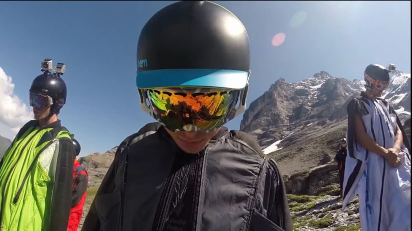 Screenshotter PEOPLEAREAWESOME2018BESTOFFASTWingsuitMUSTWATCH 7'31""