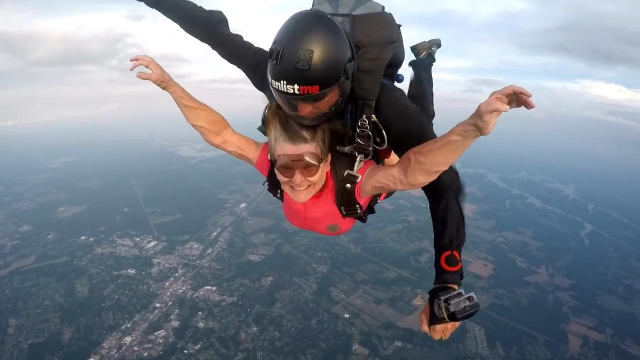 "Screenshotter SkydiveTennesseeSueWhite 5'27"""