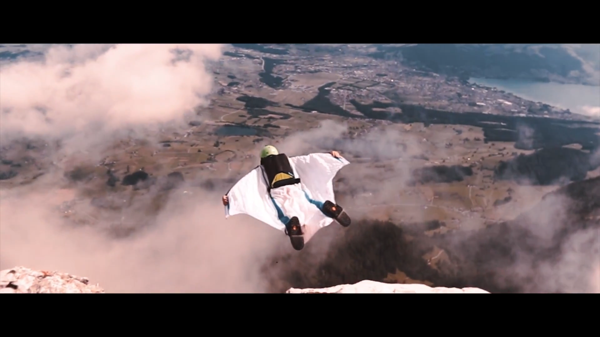 Screenshotter WINGSUITBASEJUMPING 10'26""