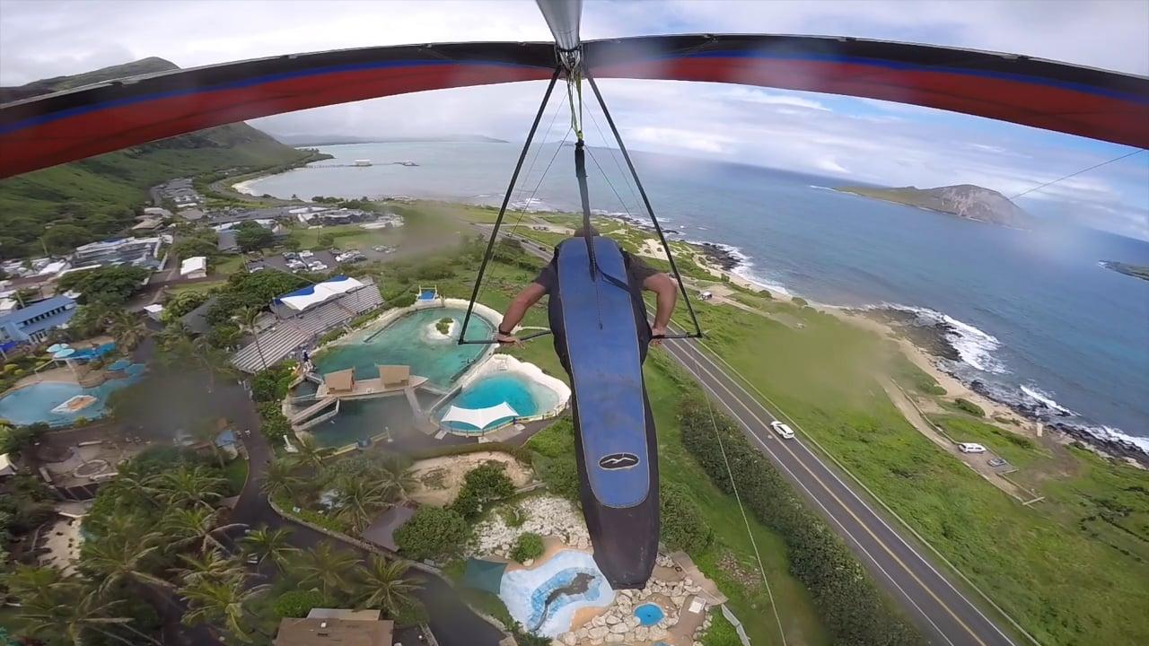 Wonderful views Hang gliding over Hawaii